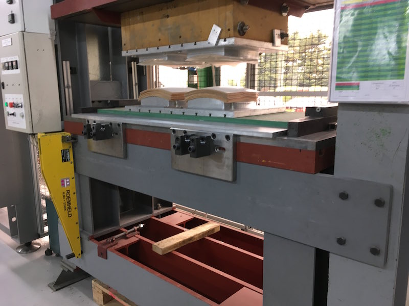 Hydraulic press with Roemheld QDC and carrying console.